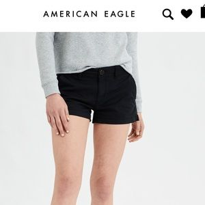 American Eagle black twill shortie